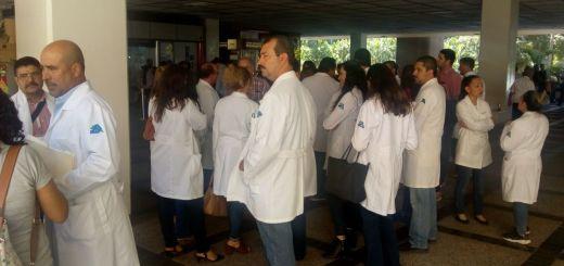 Químicos de Salud piden pago de nivelación, se les adeudan tres meses
