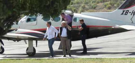 Obrador olvida promesa de vuelos comerciales; toma viaje privado a Mexicali