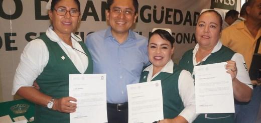 IMSS Sinaloa reconoce labor del personal en Guasave y guamúchil por 25, 30 y 35 años de servicio