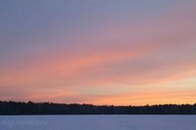 Зимний красивый закат, облака, снег