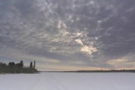 Небо, поле, снег, март, фото Олега Чувакина