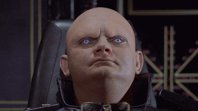 Один из них, инопланетянин, ангар 18, кадр из фильма, лицо пришельца