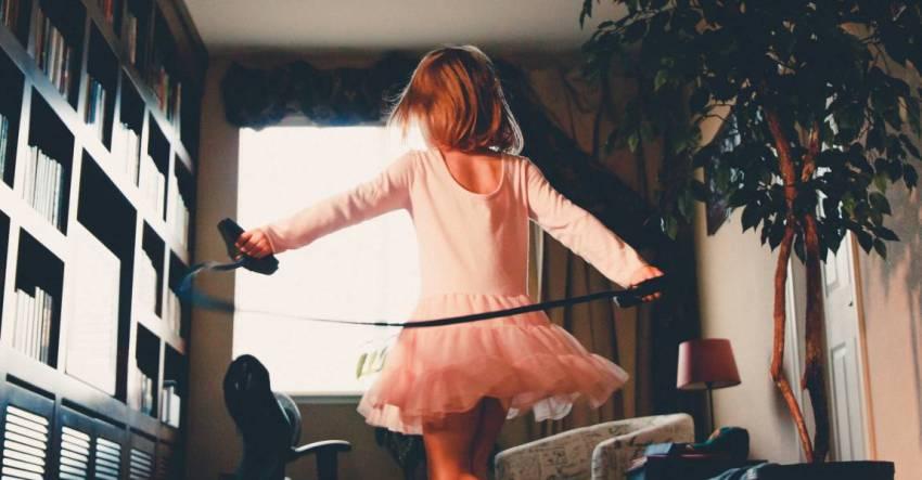 Девочка, скакалка, прыгает через скакалку, фото