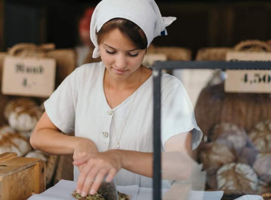 Пекарня, хлеб, девушка, круассаны, фото к рассказу