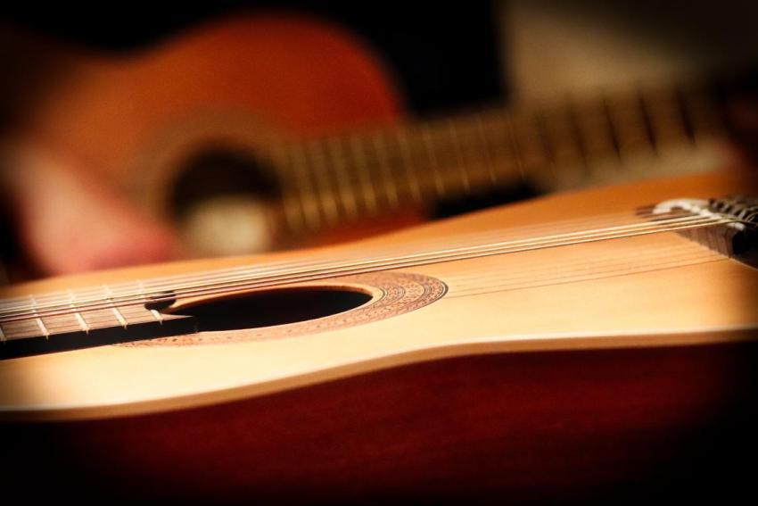 Классическая гитара, струны, дека, обечайка, розетка