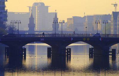 Берлин, река Шпрее, мост