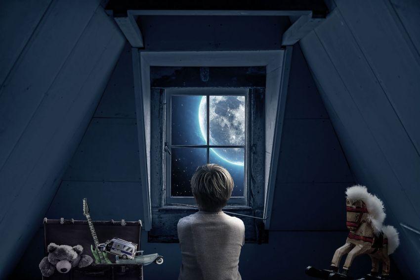 Мечта, детство, стать космонавтами, космос, планета, окно