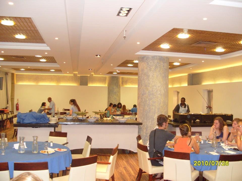 Столовая отеля в Тель-Авиве