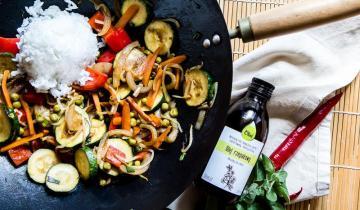 Warzywa z patelni z olejem rzepakowym Olini