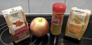Ingredientes principales para las lentejas al curry con pollo y manzana