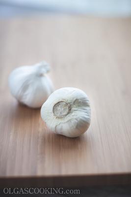 roasted garlic head-1-2