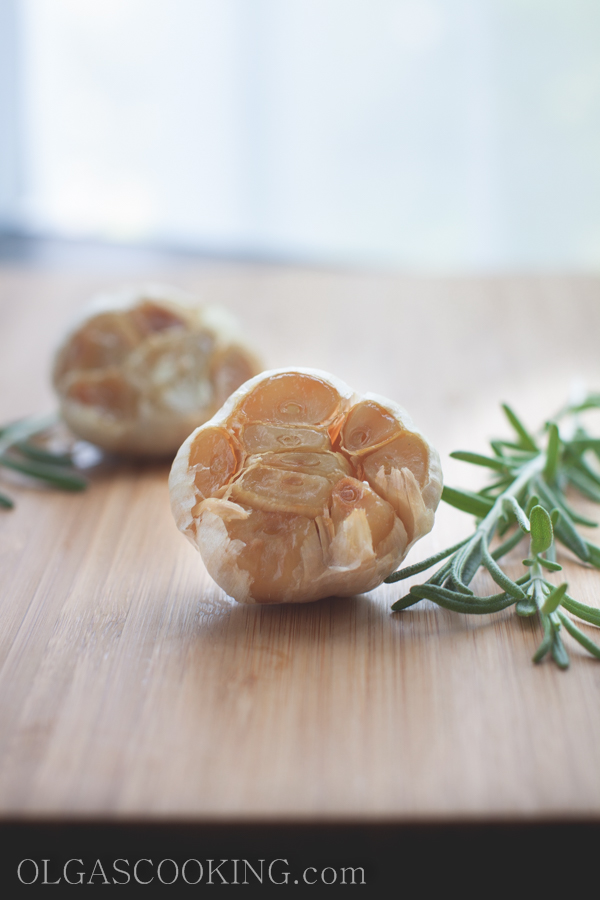 roasted garlic head-1