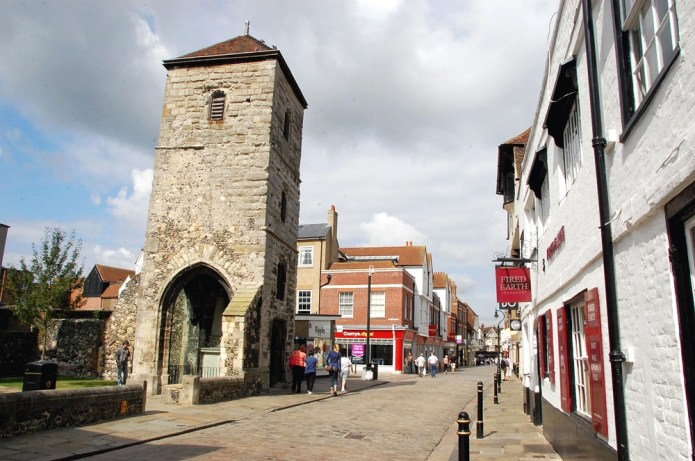 Town you must visit in England - Canterbury| Travel Blog| olgatribe.com #england