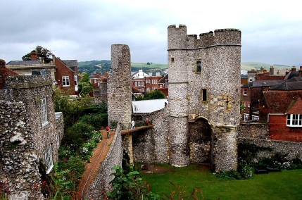 Town you must visit in England - Lewes  Travel Blog  olgatribe.com #england