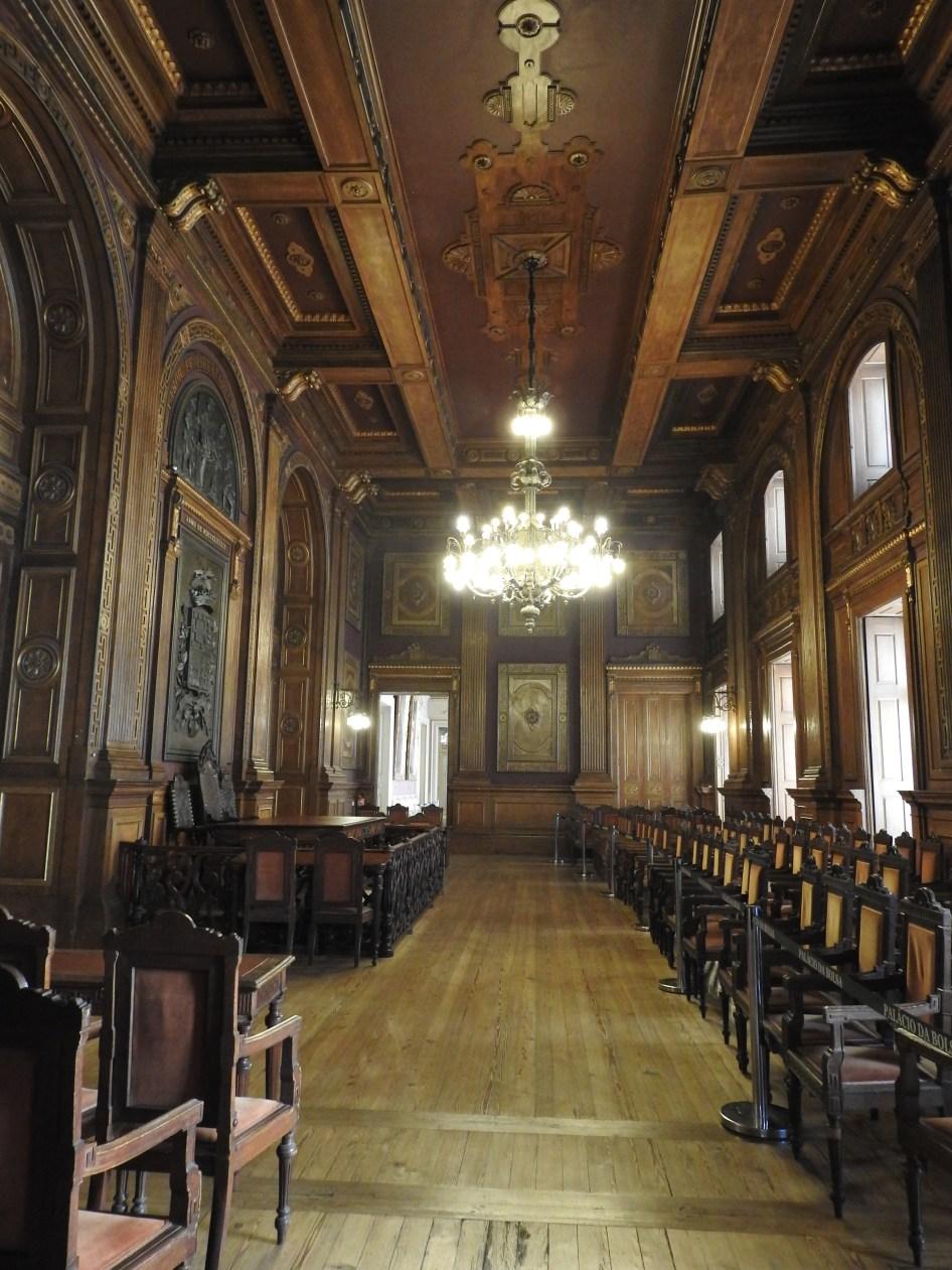 Sala das Assembleias Gerais - remember it isn't wood!