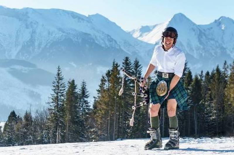 Conheça o escocês que viaja pelo mundo tocando gaita de fole