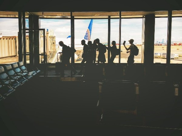 Economize com passagens aéreas para viajar gastando pouco.