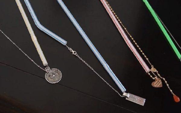 Use canudos para para não embolar a correntinha dos colares