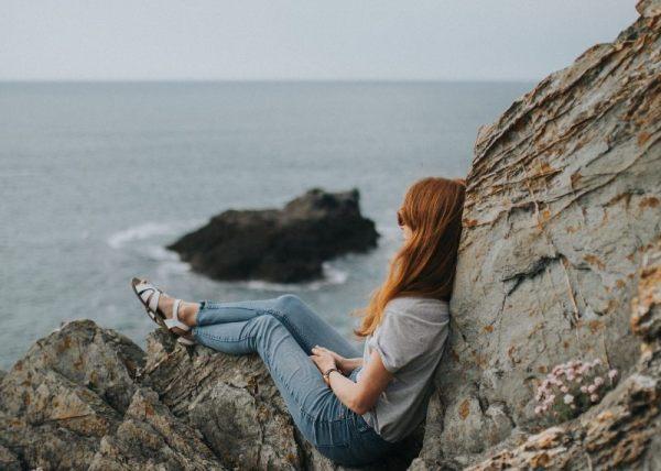 Viajar sozinha(o) traz autoconhecimento
