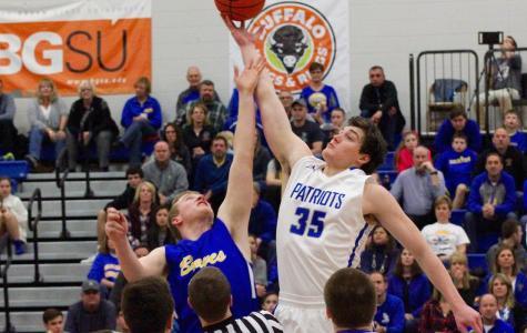 Liberty basketball shuts down rival Olentangy