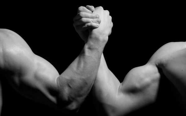 Упражнения с резиновым жгутом для женщин – Эффективные ...