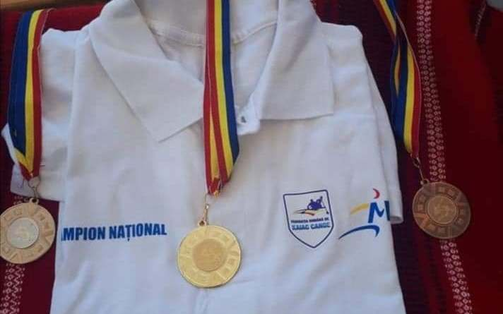 medaliicn - Kaiaciștii din nou pe podium