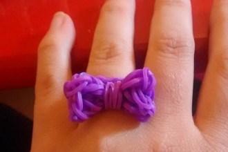 bague loom violette noeud