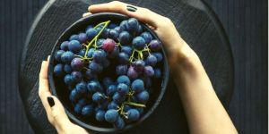 Manger en pleine conscience : l'exercice du raisin