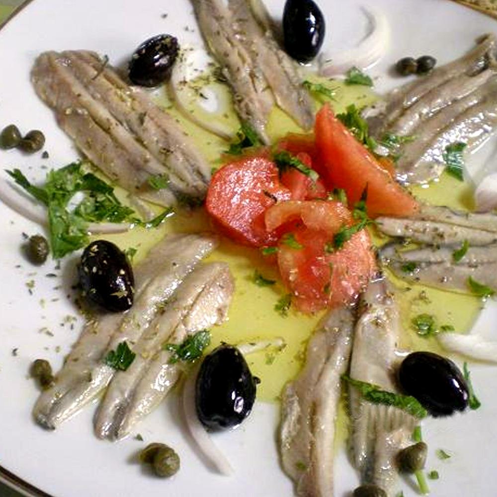Alici-Marinate-con-pomodori-e-olive
