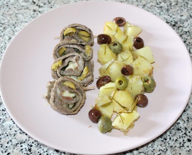 Involtini di carne e olive.jpg