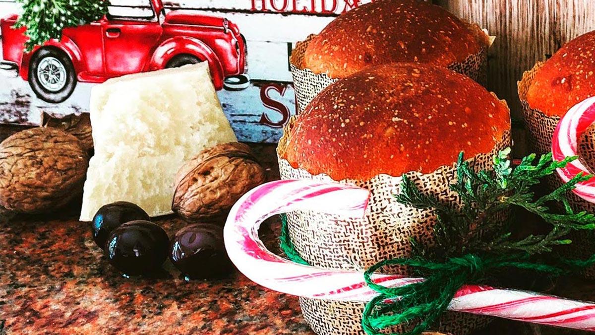 Panettoncini salati con noci parmigiano ed olive
