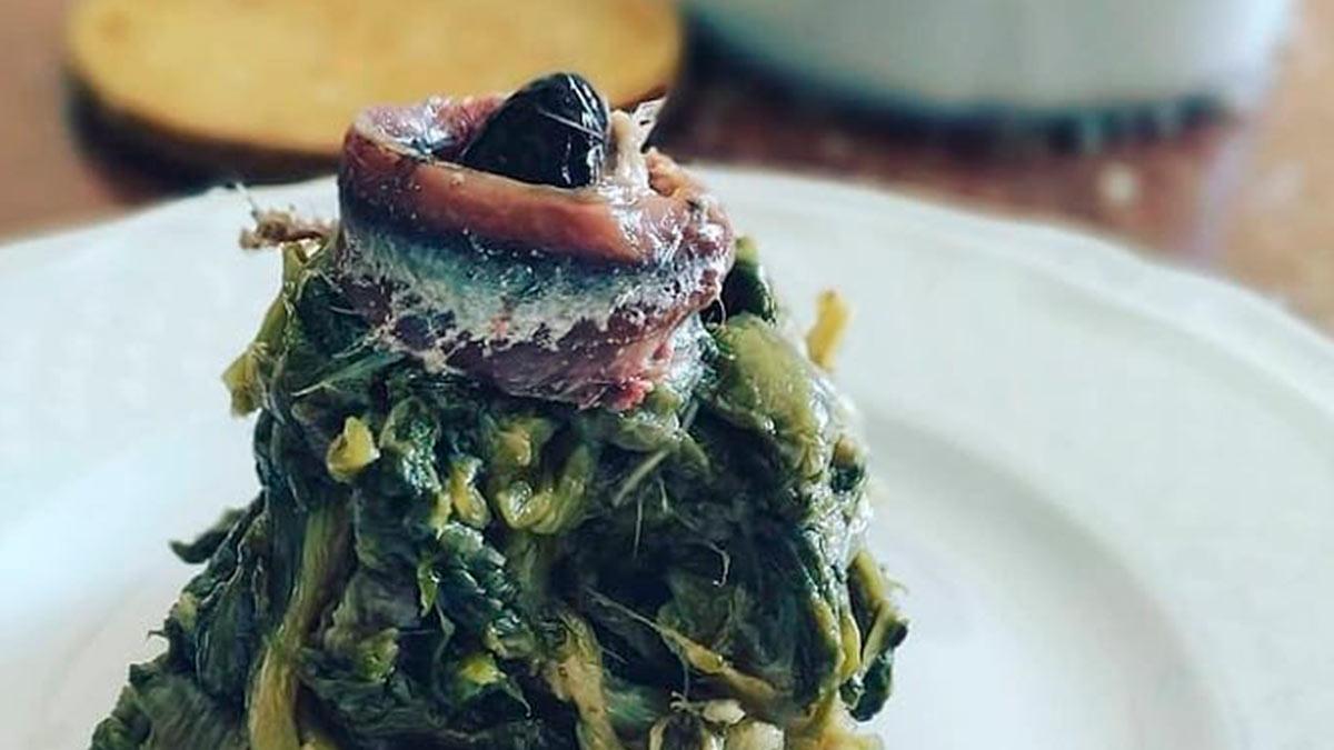 scarola con alici e olive
