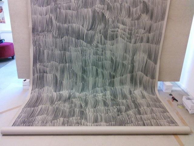 Oliver Barlen / Große Kaskade / Zeichenkohle auf Packpapier / ca. 600 x 210 cm / unteres Drittel fotografiert im Atelier