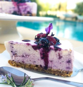 Blueberry cheesecake gluten-free , guilt-free, carb-free,blueberry,dessert