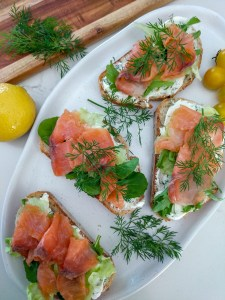 smoked salmon dill bruschetta
