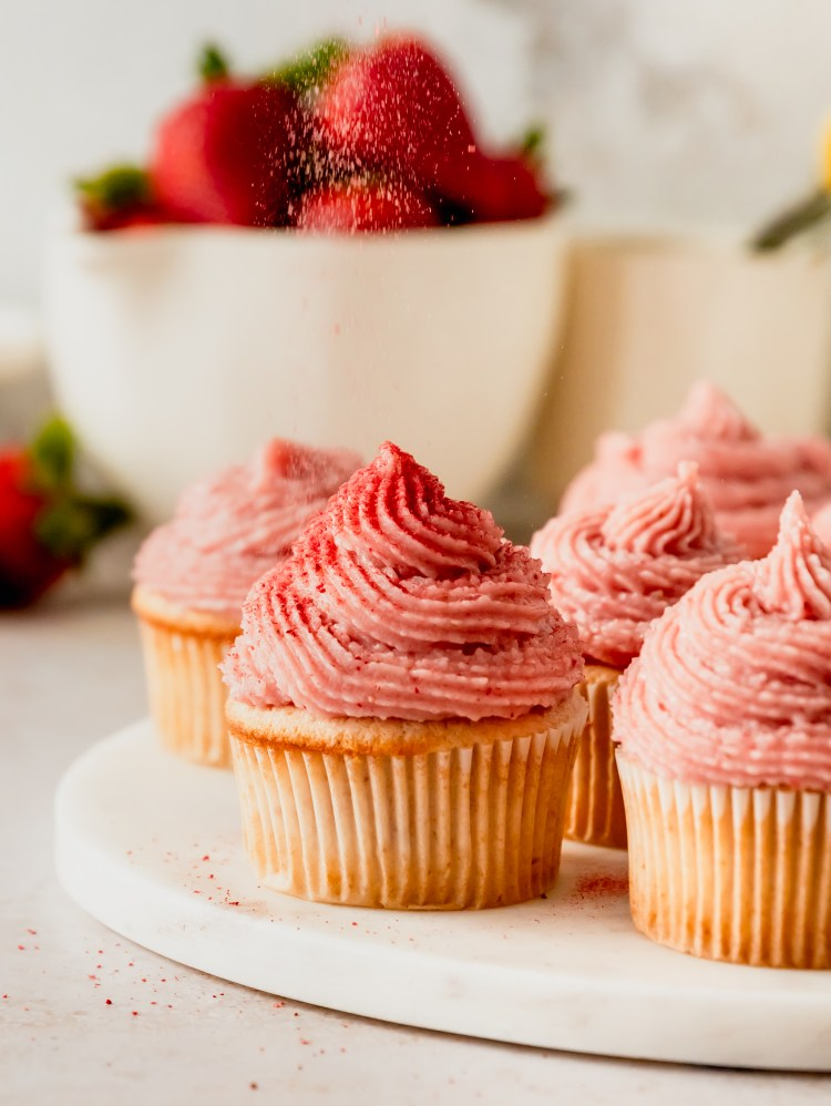 small batch strawberry cupcakes