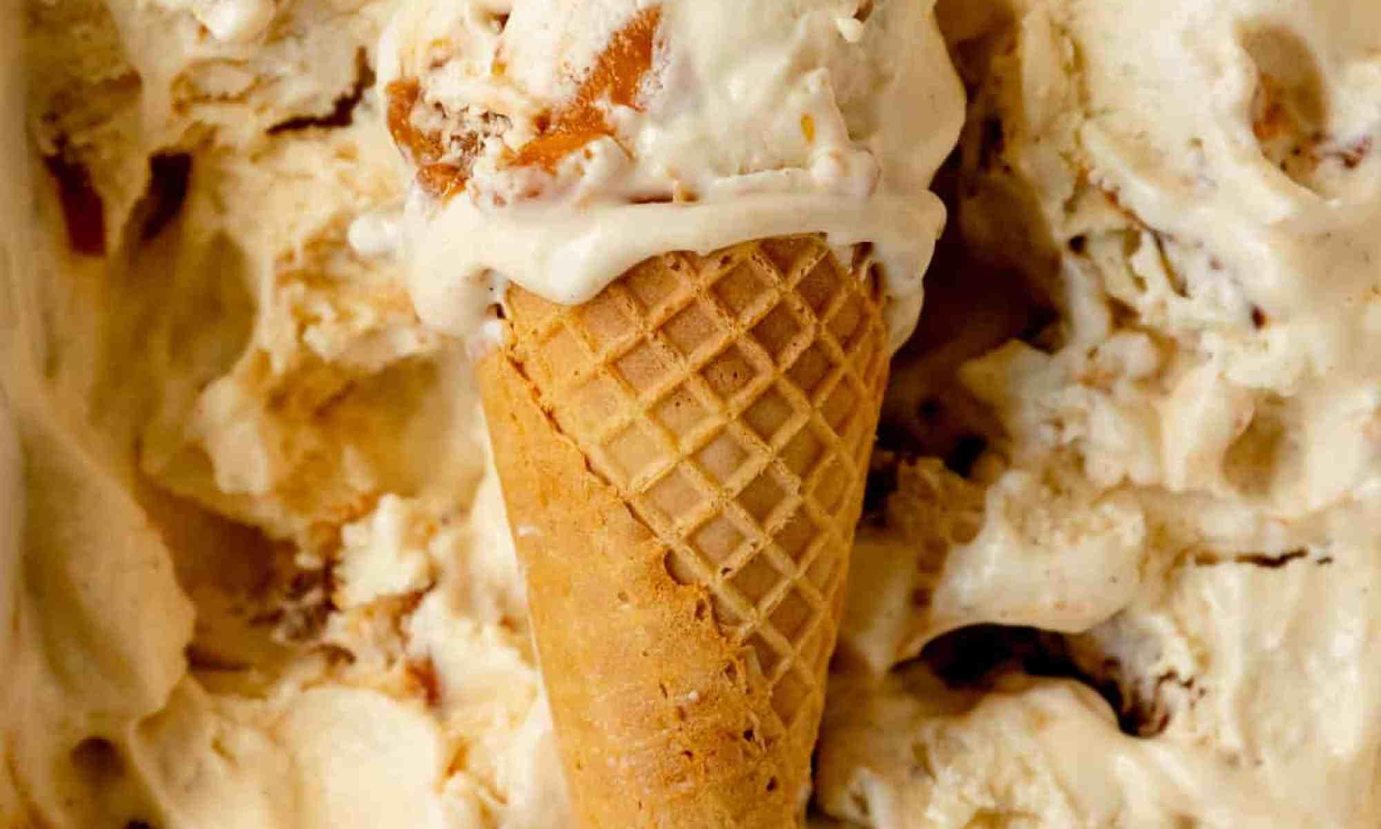 no-churn peach ice cream