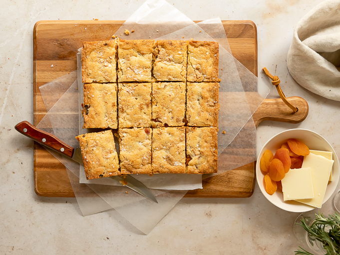 apricot cookie bars