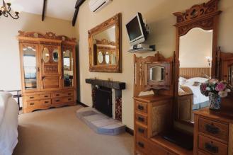 fireplaces_in_all_luxury_rooms_schoone_oordt1