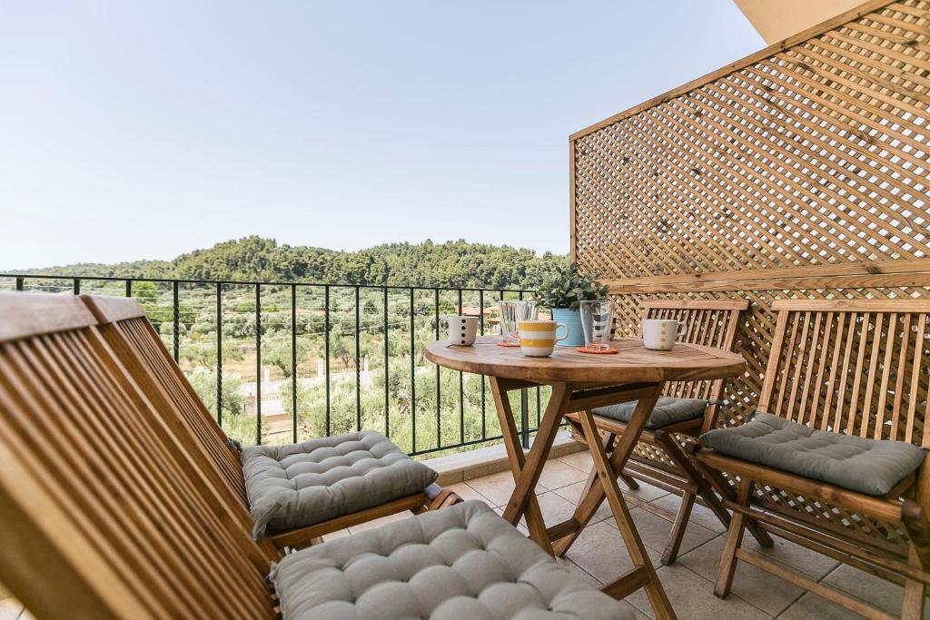 olivetree deluxe apartment balcony