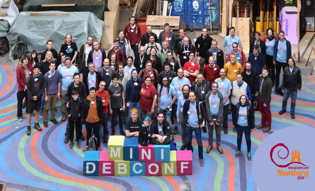 Debian mini confrence group photo