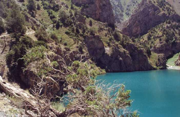 Le lac turquoise de Ptchikoul, le 13 août 2004