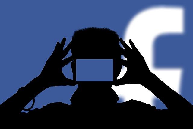 ne pas passer trop de temps sur les réseaux sociaux pour arrêter de se comparer aux autres