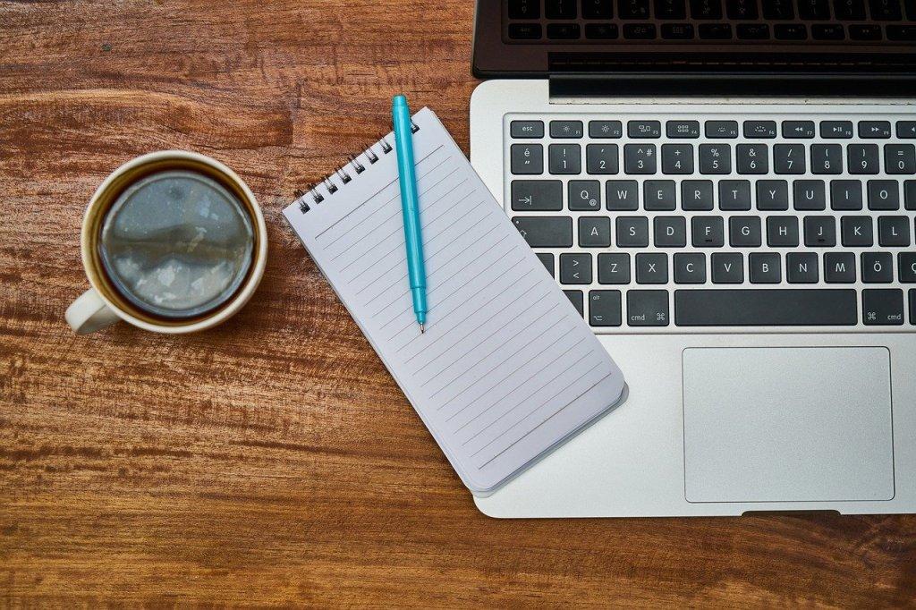 noter les idées sur un carnet pour plus de productivité
