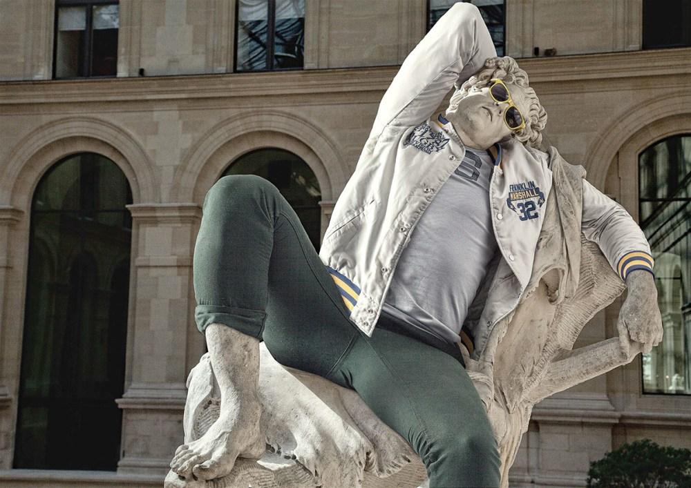 leo caillard statue habit4