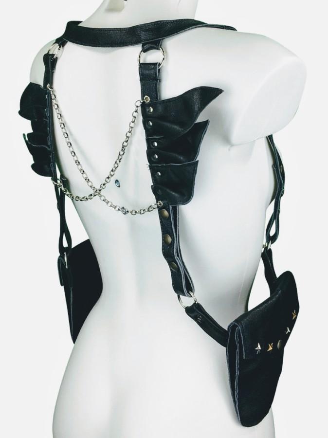 Harness Black Bird- black leather, silver chain