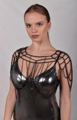 Top Gotique - black leather, black chain