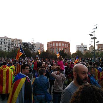 A cidadania catalá resposta con mobilizacións pacíficas
