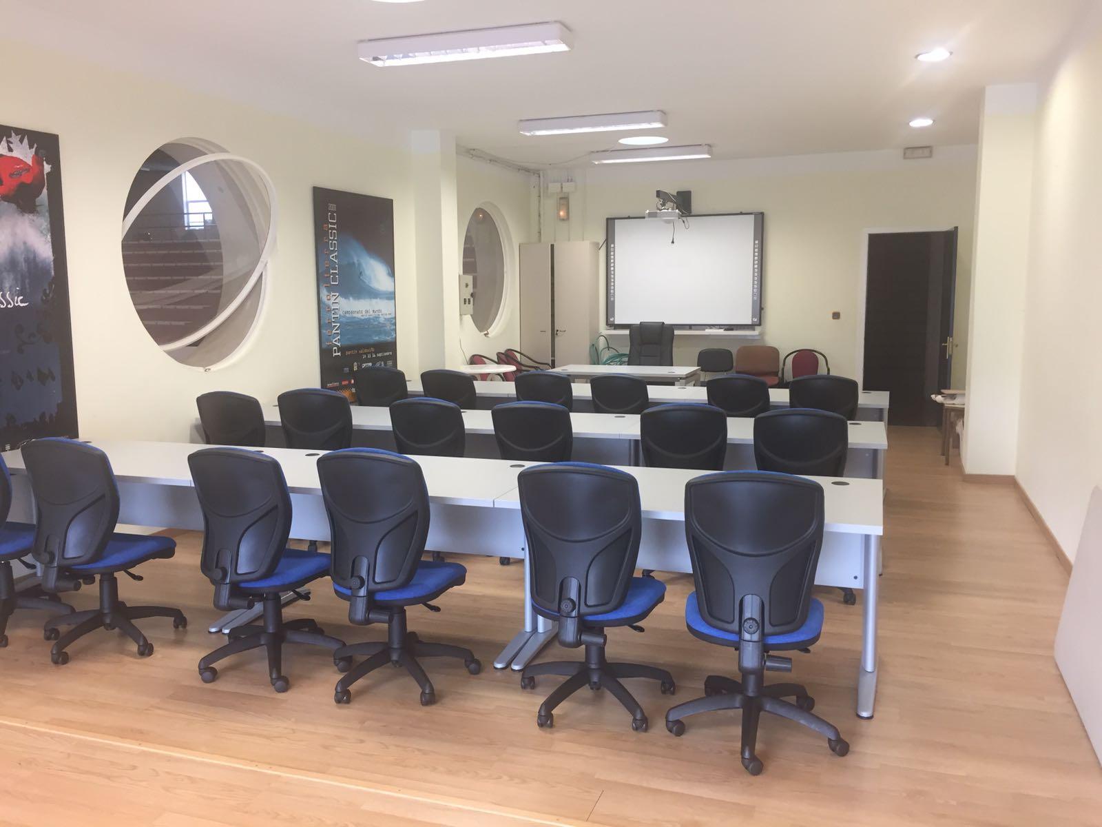 Nova aula multidisciplinar naprimeira planta do polideportivo municipal de Cedeira