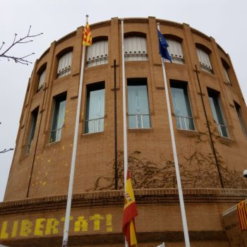 Concentracións e cortes nas estradas de toda Catalunya como protesta contra a detención de Puigdemont